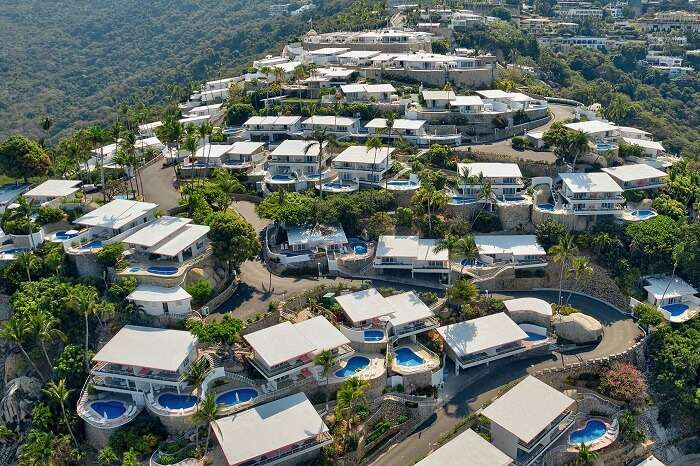 An aerial shot of the honeymoon suites with private swimming pool of Las Brisas hotel at Acapulco