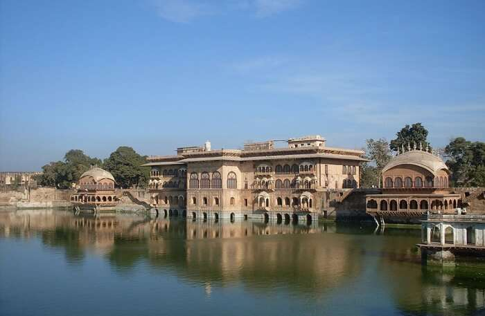 regal site in the vicinity of Bharatpur