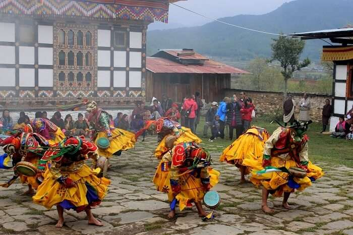 face mask dance in bhutan
