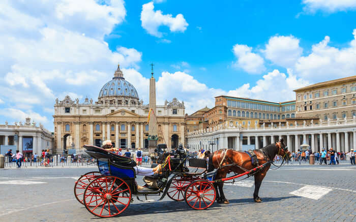 Horse carriage in Rome