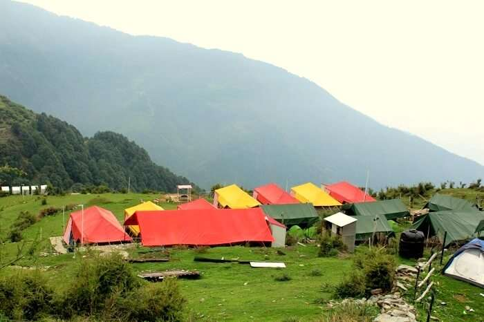 camping in himachal