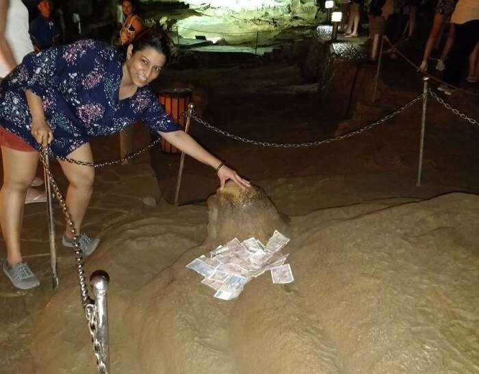 sung sot cave in vietnam