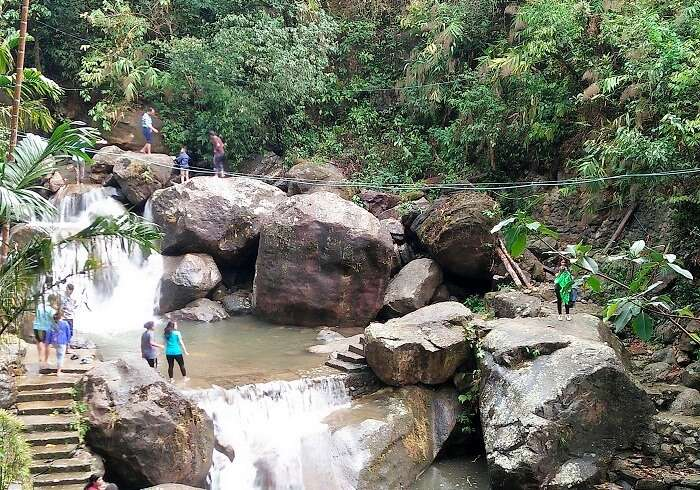 sightseeing in cherrapunjee