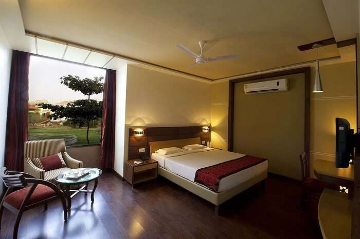 Lariya Resort room