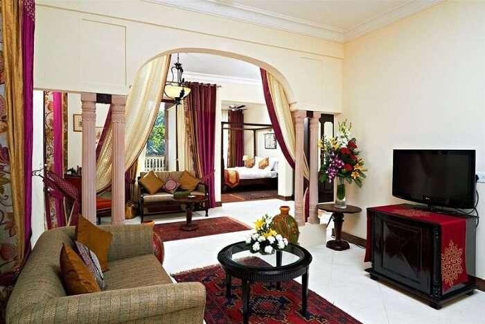 Ranbanka Palace suite