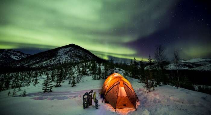 northern lights at dempster highway yukon