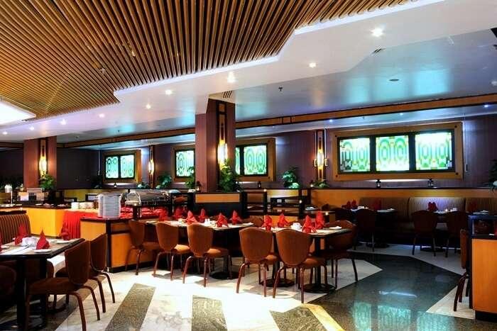 stay at admiral plaza in dubai