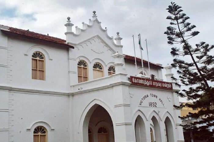 The colonial building of Victoria Town Hall that is one of the best places to visit in Coimbatore