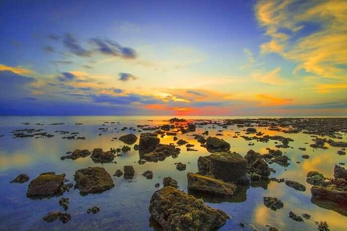 tread rocky terrains of pasir putih