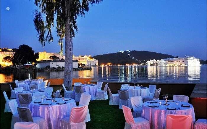 Candlelight dinner restaurants Udaipur