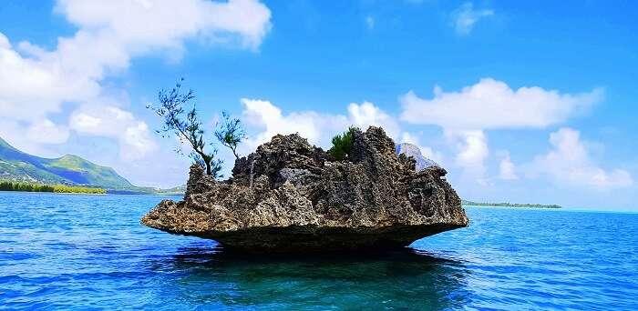 Hanging Island