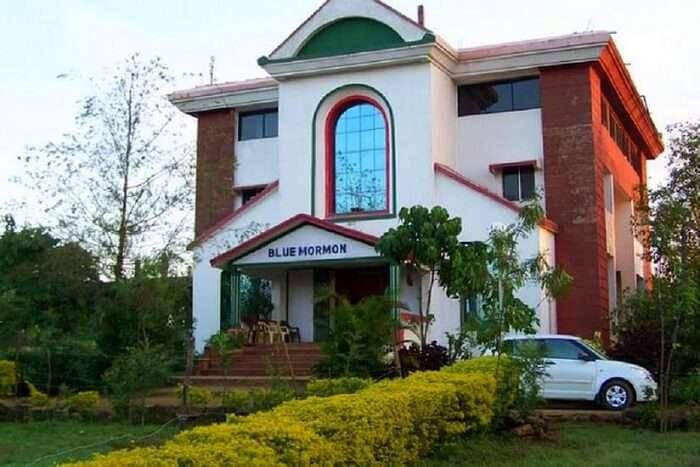 stay at Blue mormon resort in bhimashankar