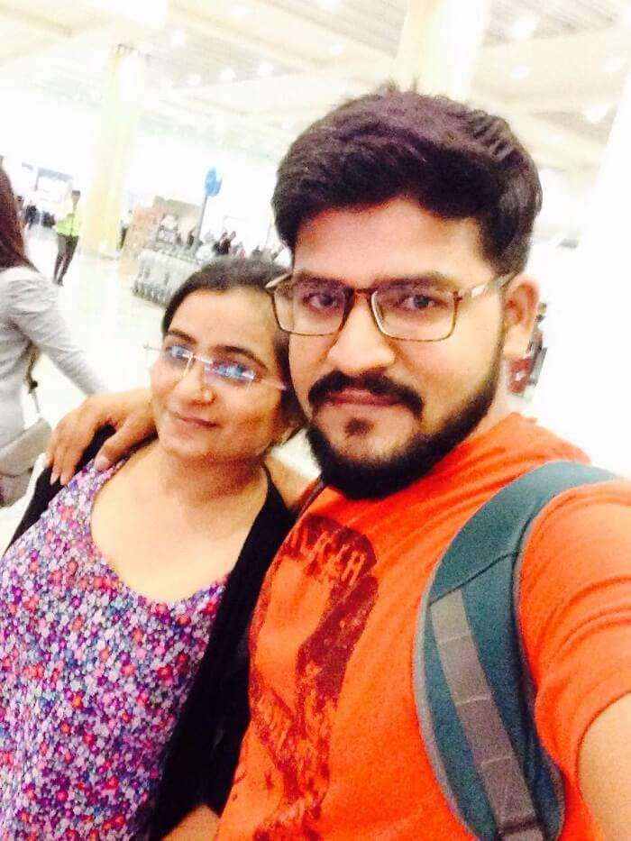 nirav & wife at bali airport on romantic trip to bali