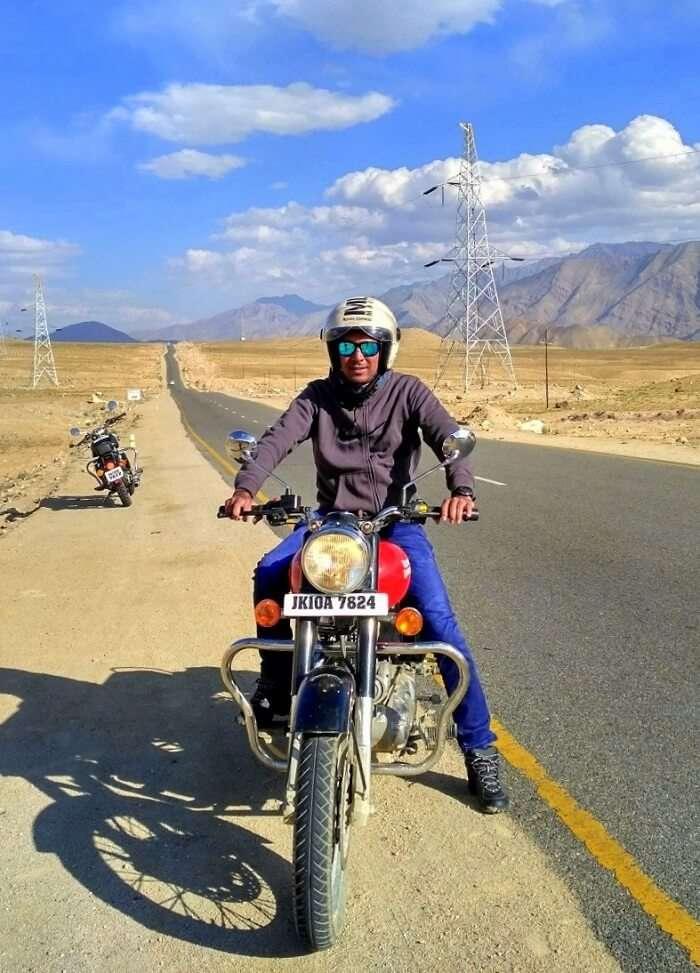 ninad riding bike across ladakh