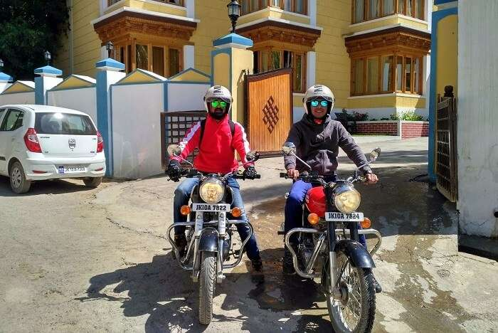 ninad and friend outside hotel