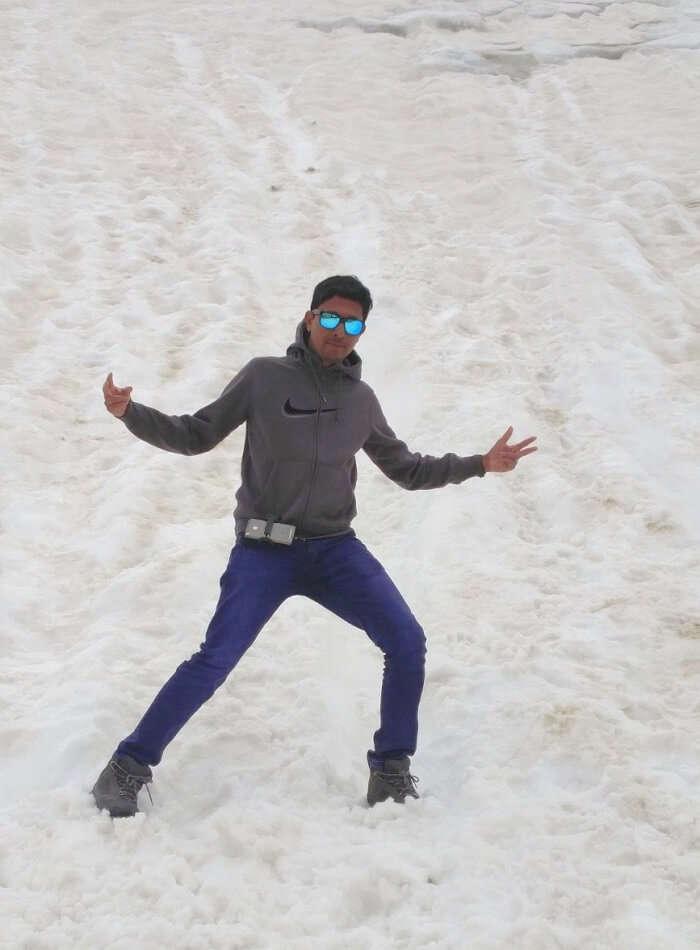ninad enjoying snow