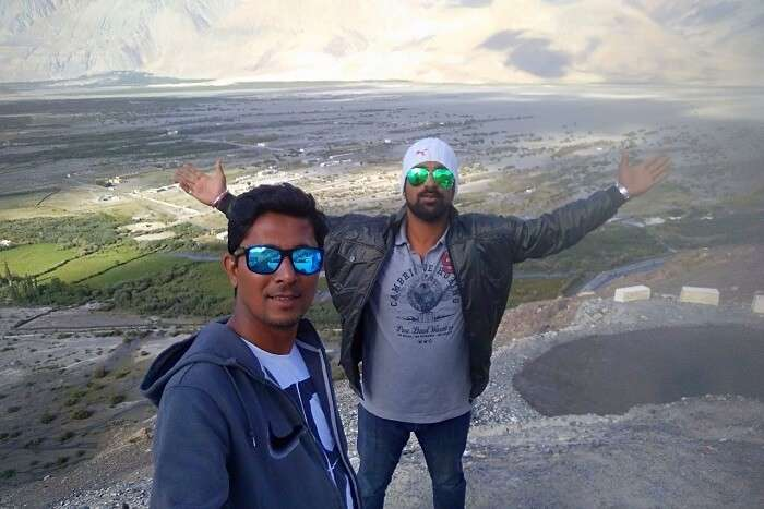 ninad with friends in ladakh