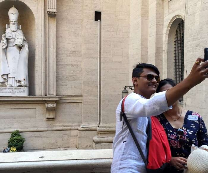 chilling in vatican city with friends