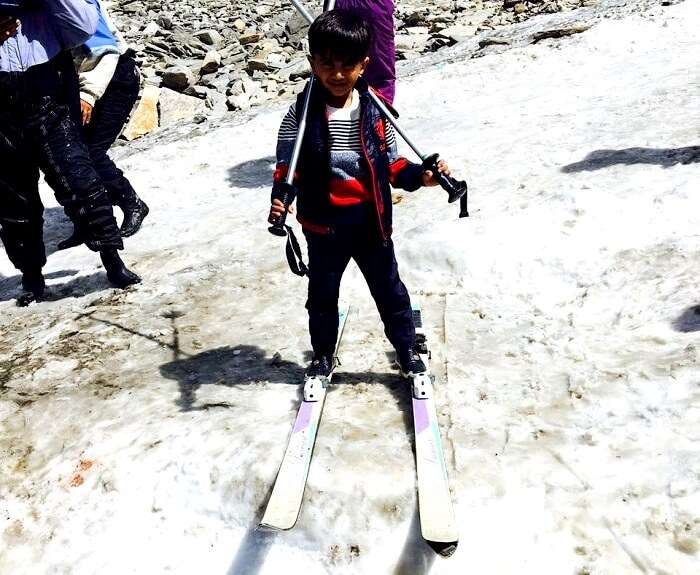 skiing in manali