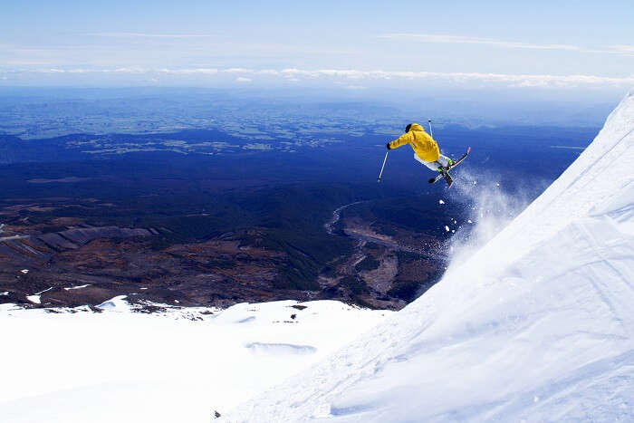 Skiing in Mount Ruapehu