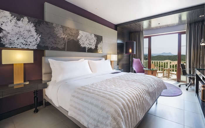 A luxurious bedroom of a resort in Mahabaleshwar
