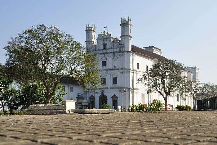 visit Church of St. Francis of Assisi in goa