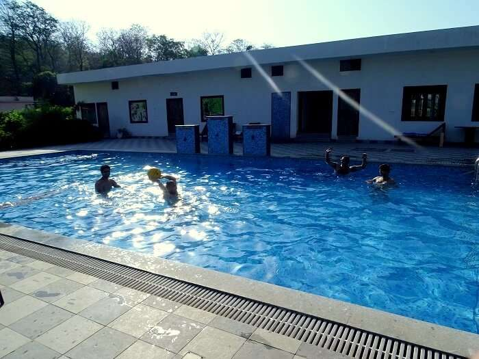 pool resorts in jim corbett