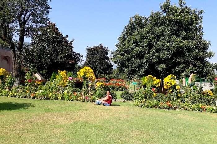 gardens in kashmir