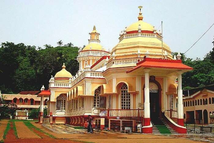 visit Mahalaxmi Temple in goa