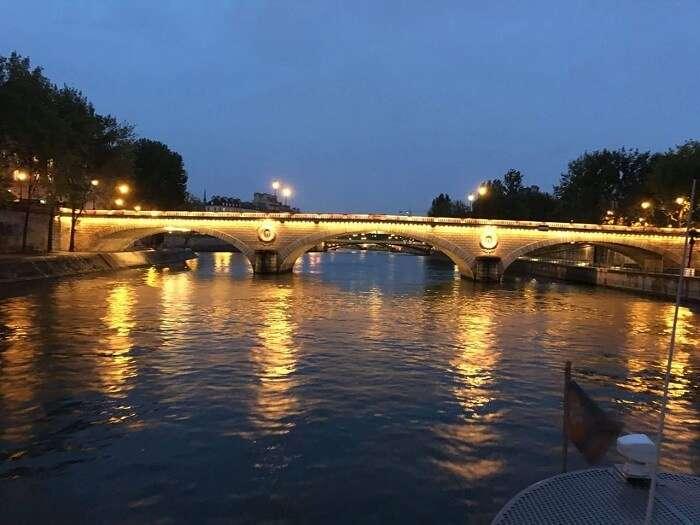 nightlife in paris