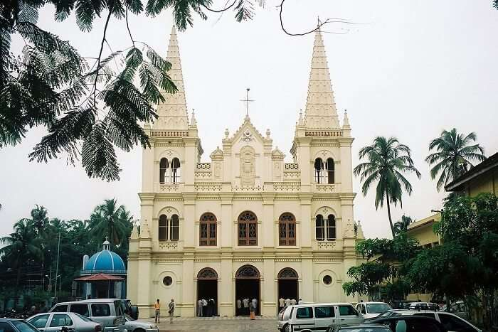 visit Santa Cruz Church in goa