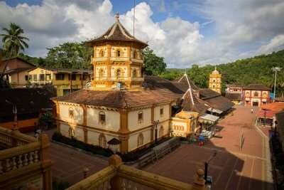 visit Shri Kamakshi Temple in goa