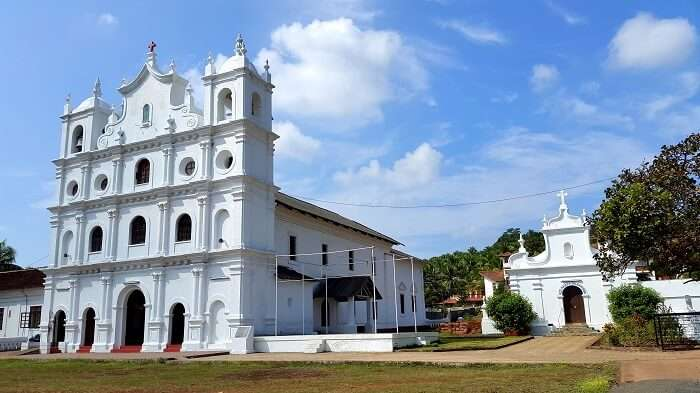 visit St. Diogo's Church in goa