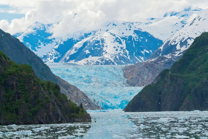 traverse through Tracy Arm Fjord on alaska cruise tours