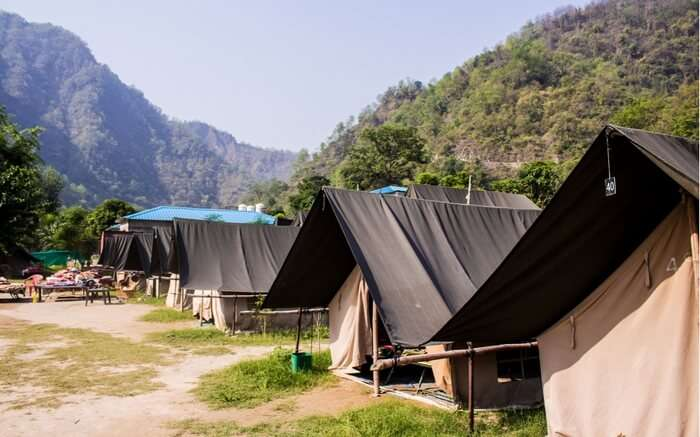 acj-1710-camping-in-rishikesh