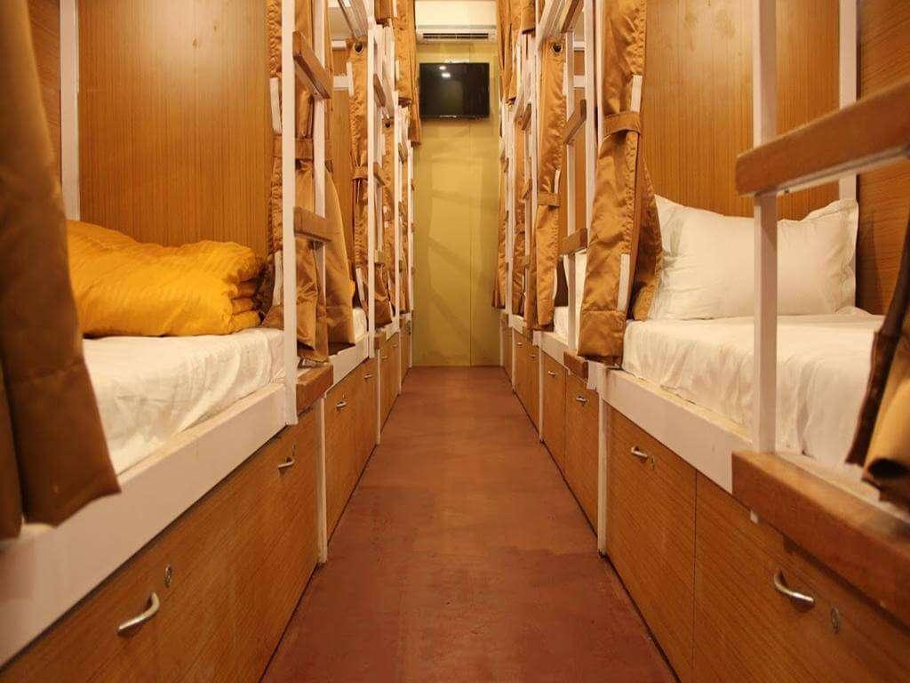dormitory of a hostel in mumbai