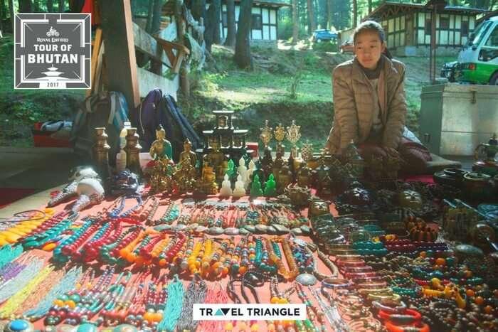 souvenir shop before tiger nest trek