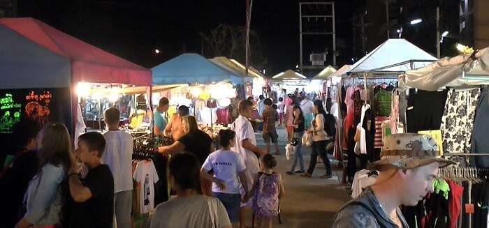 theprrasit night market pattaya