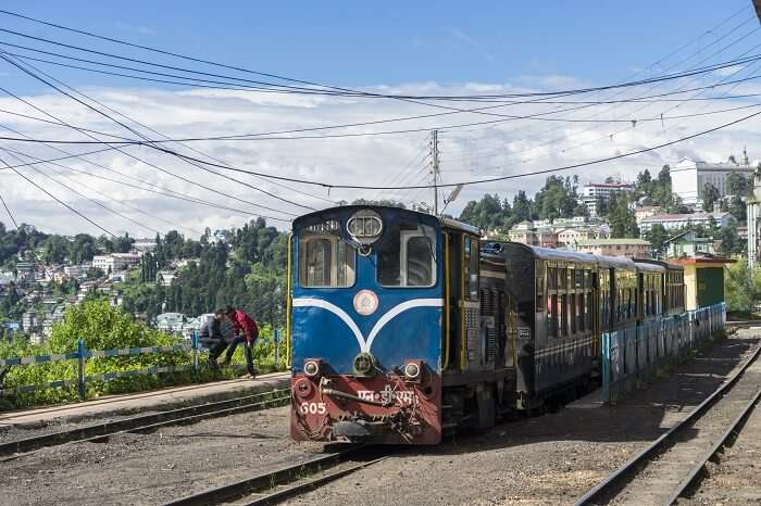 toy train darjeeling