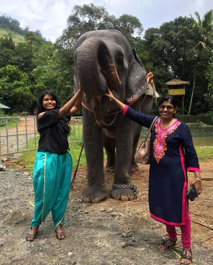 Mother and daughter in Thekkady