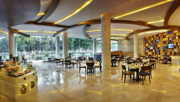 24/7 Restaurant, The Lalit Hotel