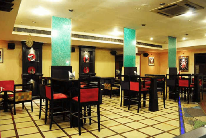 Lamhe Restaurant, Panchkula