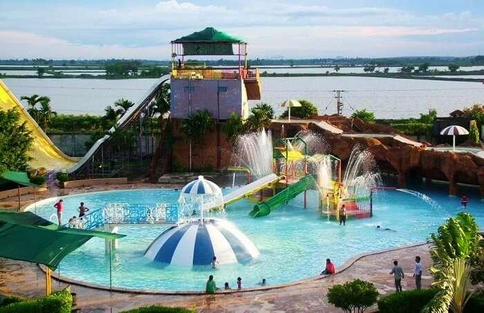 Aquatica Theme Park Kolkata