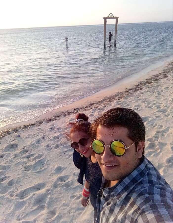 pankaj honeymoon trip to bali: pankaj & wife on gili beach
