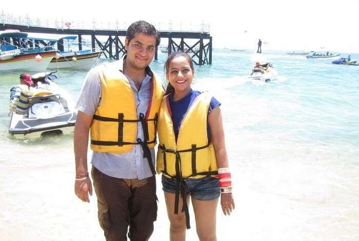 pankaj honeymoon trip to bali: pankaj and wife on beach