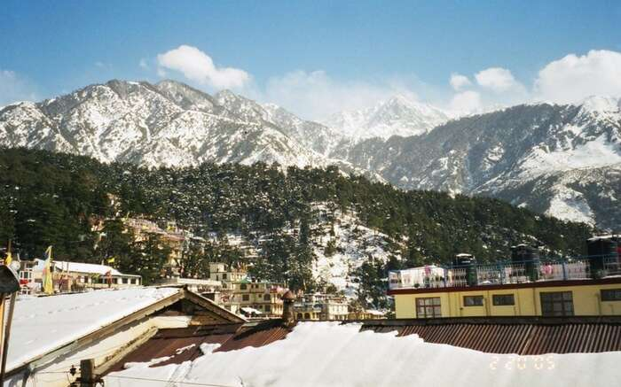 The café town McLeod Ganj for a romantic escapade into hills