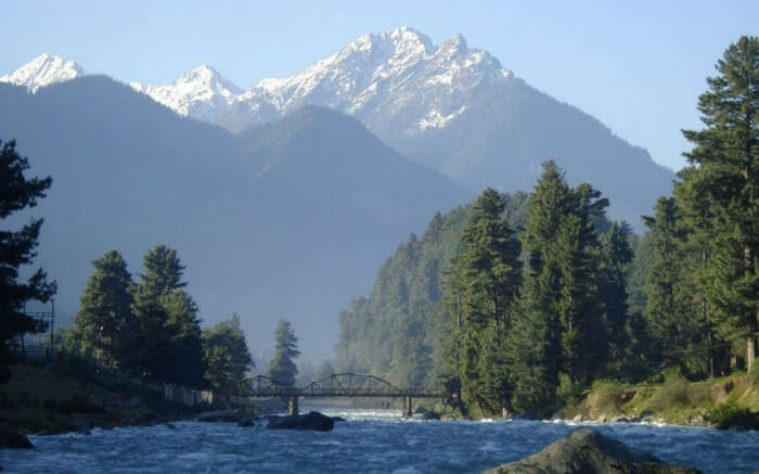 Gurgling rivers, lofty mountains and verdant meadows in Pahalgam