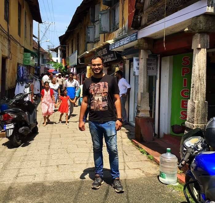 Man standing in Jew Town in Kerala