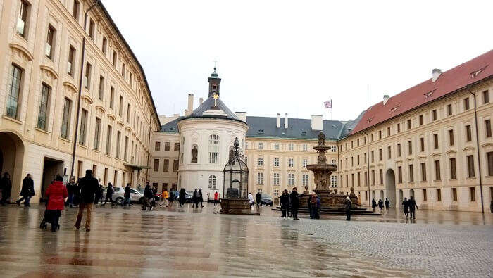 sightseeing in Prague