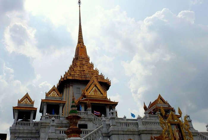 bangkok golden buddha temple